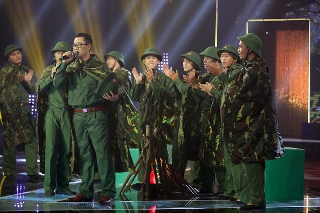 Ly Hung cong Viet Trinh quanh san khau vi thua cuoc hinh anh 10