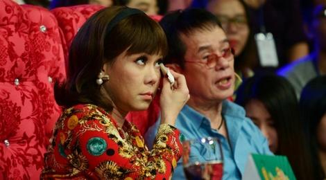 Viet Huong roi nuoc mat vi nho co nghe si Huu Loc hinh anh