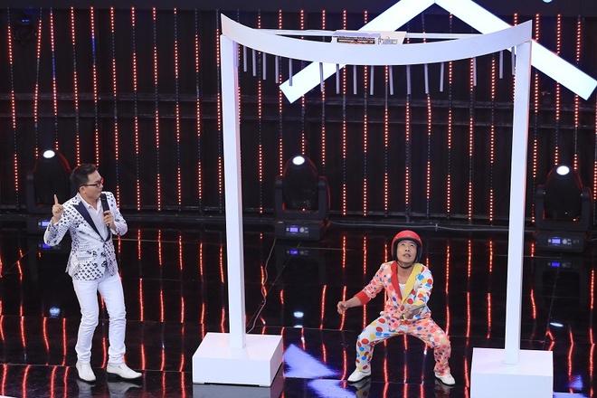 Tran Thanh be bang vi bi tay chay dong loat o show Song dau hinh anh 4