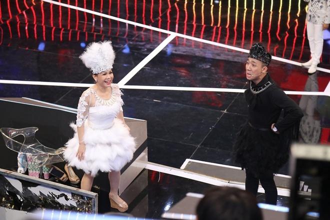 Tran Thanh be bang vi bi tay chay dong loat o show Song dau hinh anh 2