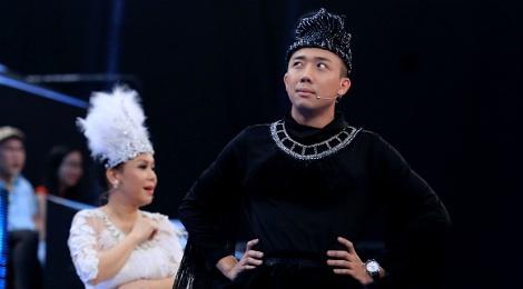 Tran Thanh be bang vi bi tay chay dong loat o show Song dau hinh anh