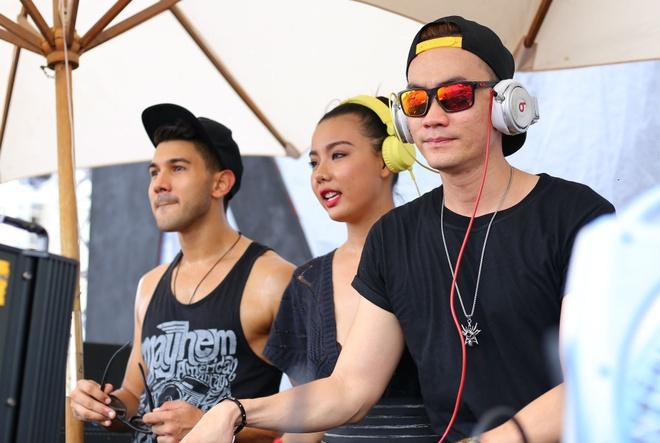 Hoang Yen, Lai Thanh Huong choi nhac ben 'phu thuy DJ' hinh anh 6