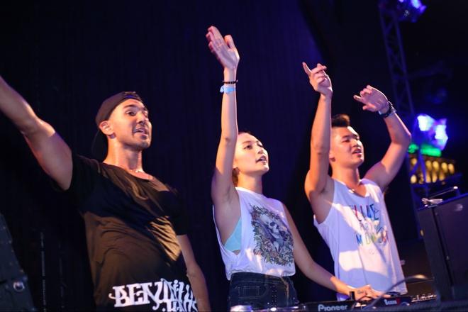 Hoang Yen, Lai Thanh Huong choi nhac ben 'phu thuy DJ' hinh anh 9