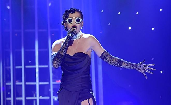 Bach Cong Khanh -  Rihanna - Diamonds hinh anh
