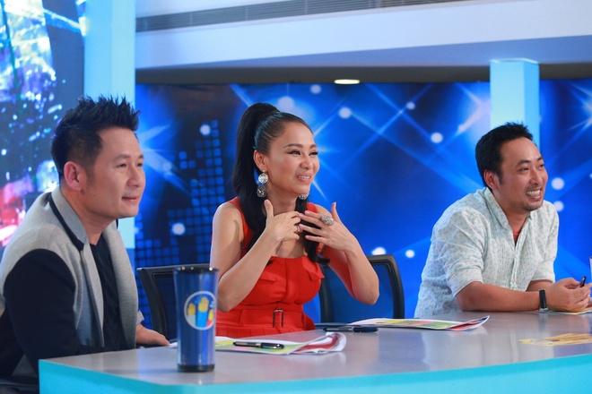 Hot boy, hot girl chua thoa man giam khao Vietnam Idol hinh anh 2
