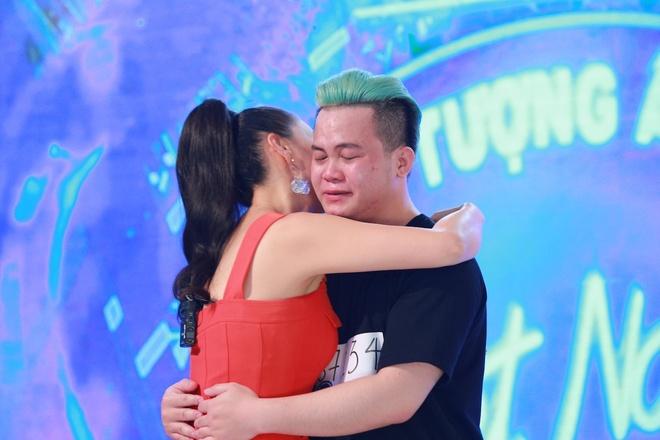 Hot boy, hot girl chua thoa man giam khao Vietnam Idol hinh anh 13