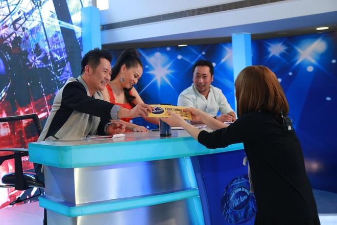 Hot boy, hot girl chua thoa man giam khao Vietnam Idol hinh anh 9