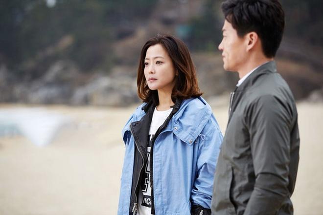 Lee Seo Jin dong cap Kim Hee Sun trong phim ve gia dinh hinh anh 2