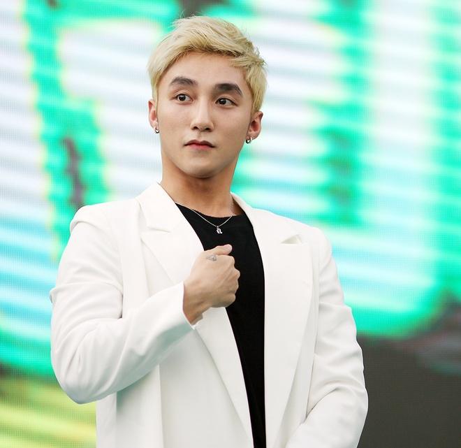 Son Tung M-TP chieu fan the hien vu dao khong giong ai hinh anh 3