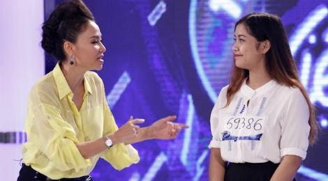 Thu Minh day thi sinh Vietnam Idol cach hat la loi hinh anh