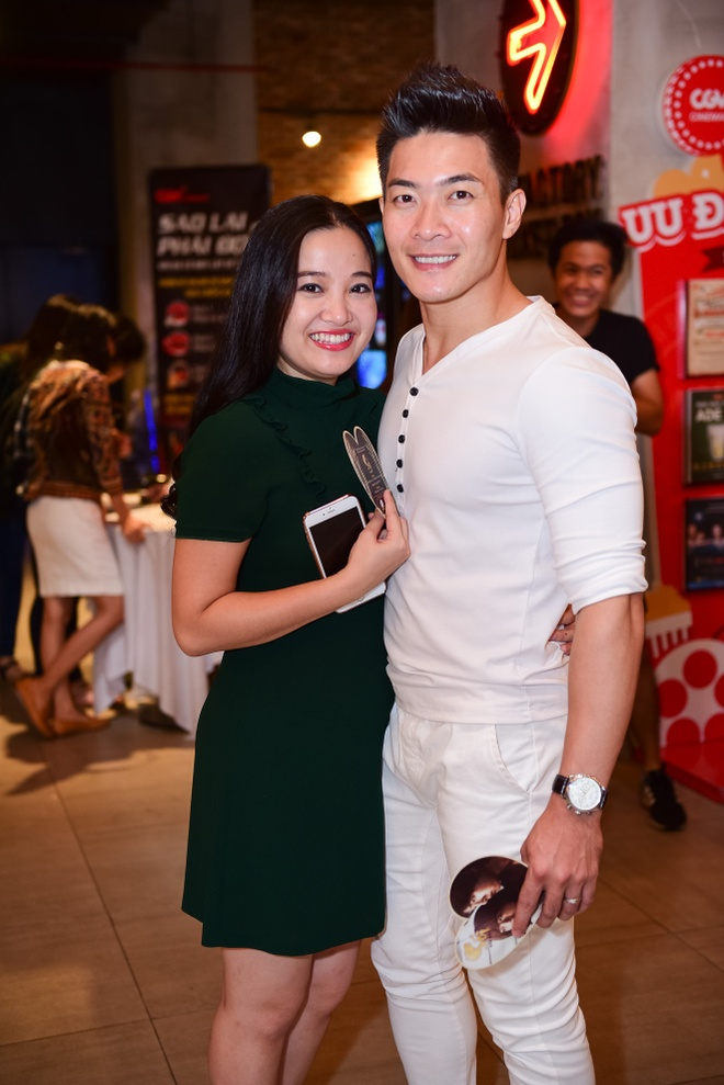 Sao Viet hao huc xem phim 'Soi, hoi ket' cua Song Joong Ki hinh anh 7