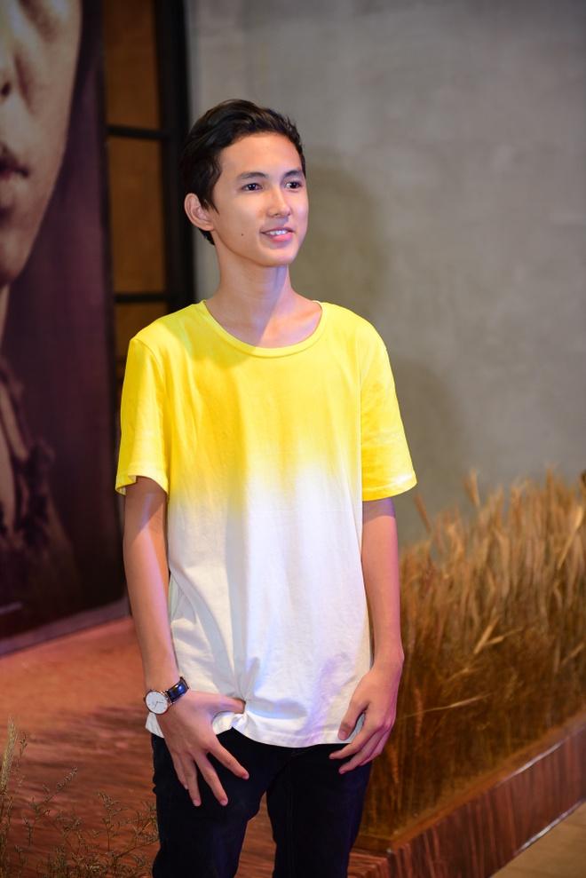 Sao Viet hao huc xem phim 'Soi, hoi ket' cua Song Joong Ki hinh anh 6