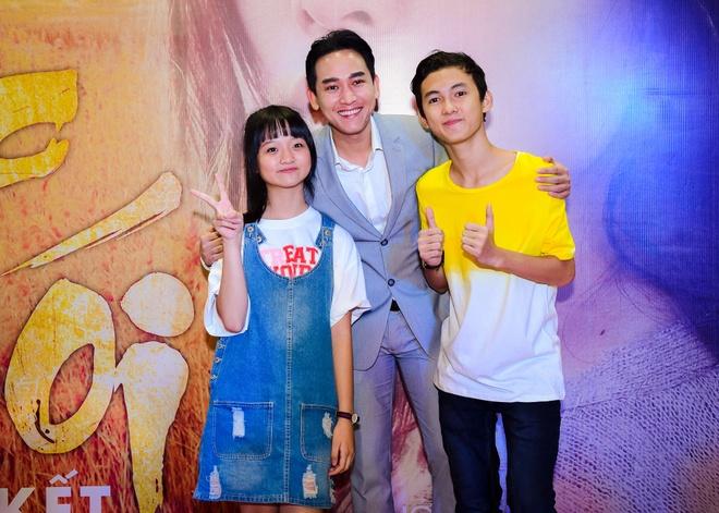 Sao Viet hao huc xem phim 'Soi, hoi ket' cua Song Joong Ki hinh anh 4