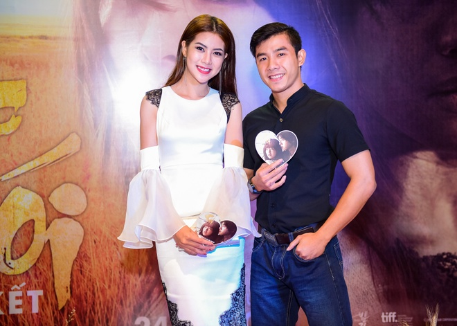 Sao Viet hao huc xem phim 'Soi, hoi ket' cua Song Joong Ki hinh anh 9