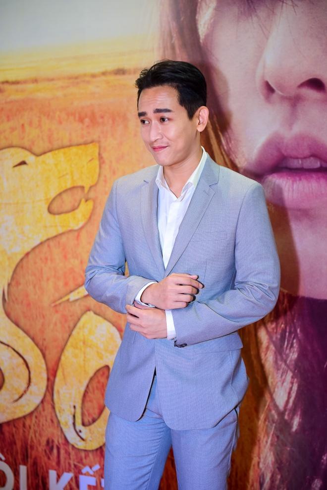 Sao Viet hao huc xem phim 'Soi, hoi ket' cua Song Joong Ki hinh anh 3