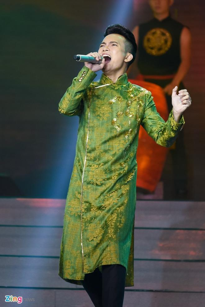 Nhom nhac cua Yanbi bi loai khoi X Factor hinh anh 13