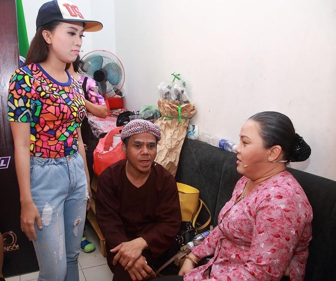 NSUT Kim Tu Long huy show, den truong quay ho tro con nuoi hinh anh 8