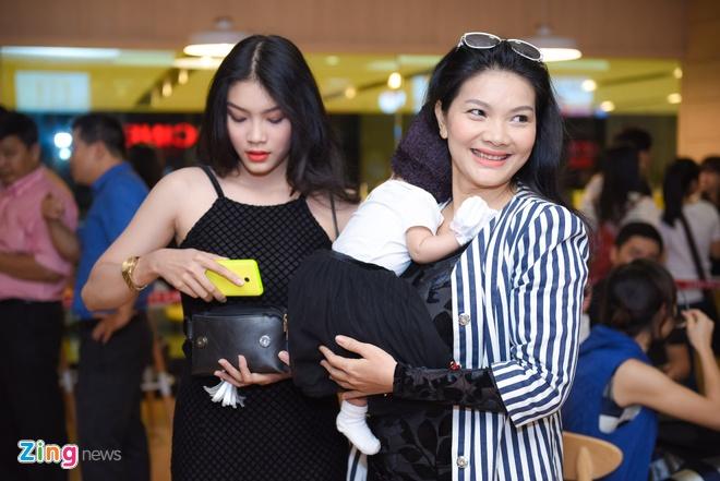 Hoa hau noi tieng Anh do di xem phim cua Lee Min Ho hinh anh 3