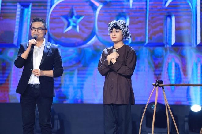 Tran Thanh lai khoc nuc no tren ghe nong game show hinh anh 6