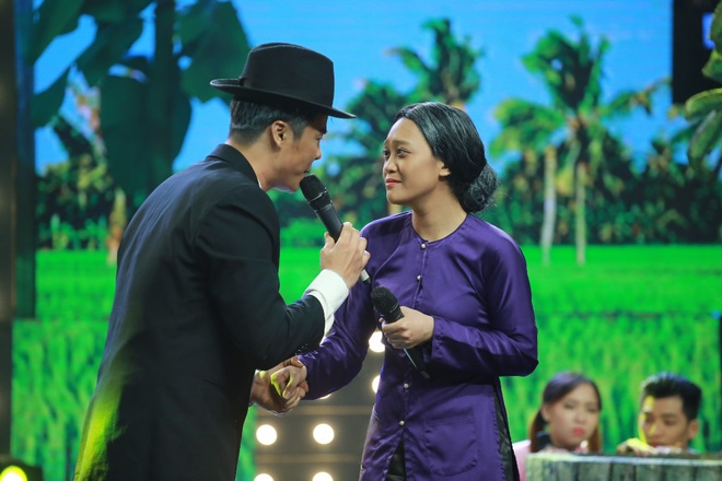 Ca si Nguyen Hung bao toan gan 1 ty dong cho hoc tro hinh anh 14
