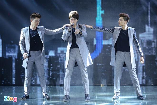 Giam khao X Factor doi hoi cac nhom nhac phai dot pha hinh anh 2
