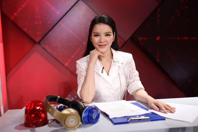 Hoai Linh, Viet Huong vang mat o Bi mat dem chu nhat mua 2 hinh anh 8