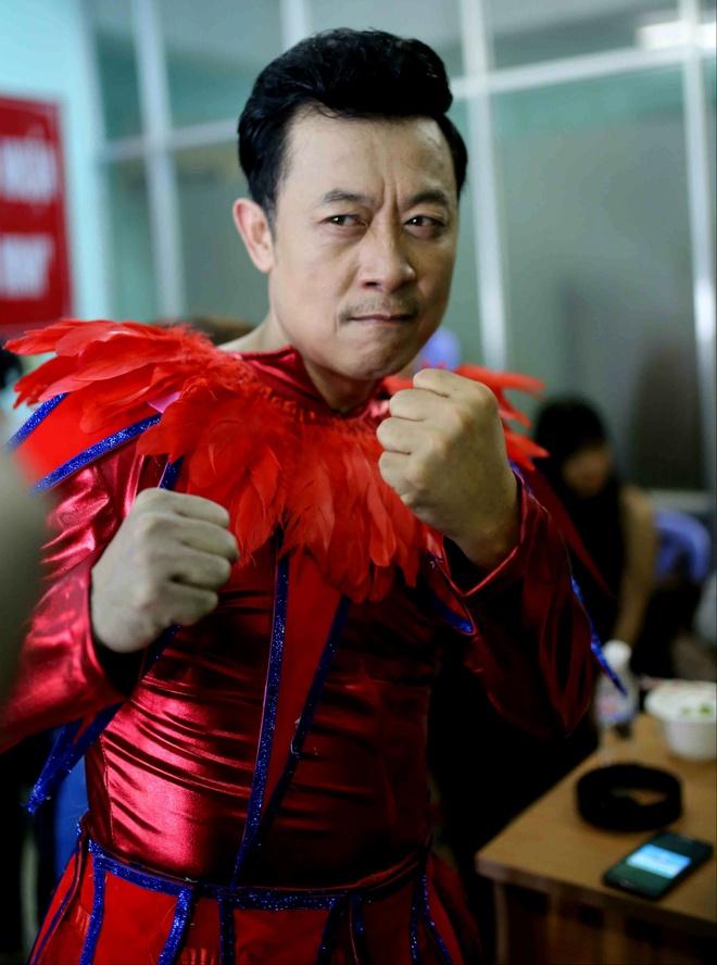 Hoai Linh, Viet Huong vang mat o Bi mat dem chu nhat mua 2 hinh anh 3