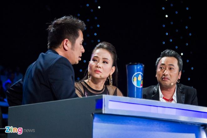 Bang Kieu che thi sinh Vietnam Idol hat tieng Anh ngo nghe hinh anh 1
