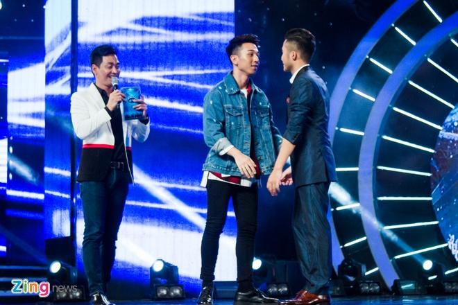 Bang Kieu che thi sinh Vietnam Idol hat tieng Anh ngo nghe hinh anh 3