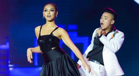 X Factor: vu cong phi gioi tinh gay tranh cai hinh anh