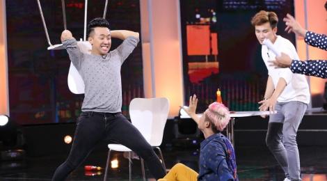 Thanh Duy Idol bi Tran Thanh 'danh' toi boi trong game show hinh anh