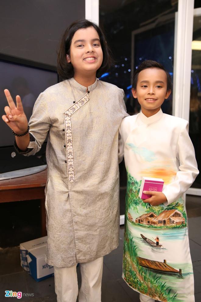 Ba me Ho Van Cuong len Sai Gon co vu con trai thi hat hinh anh 4