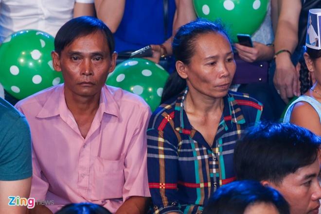 Ba me Ho Van Cuong len Sai Gon co vu con trai thi hat hinh anh 1