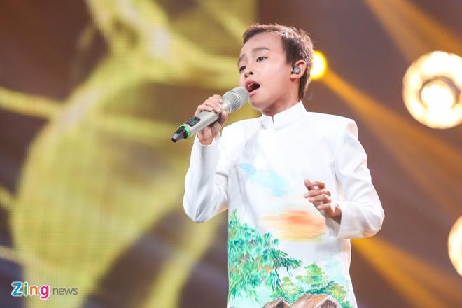 Me Ho Van Cuong nac nghen khi con trai tro thanh quan quan hinh anh 9