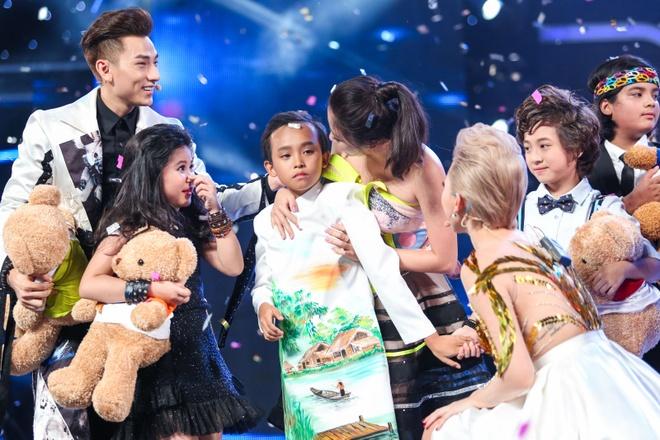Ho Van Cuong tro thanh quan quan Vietnam Idol Kids 2016 hinh anh 25