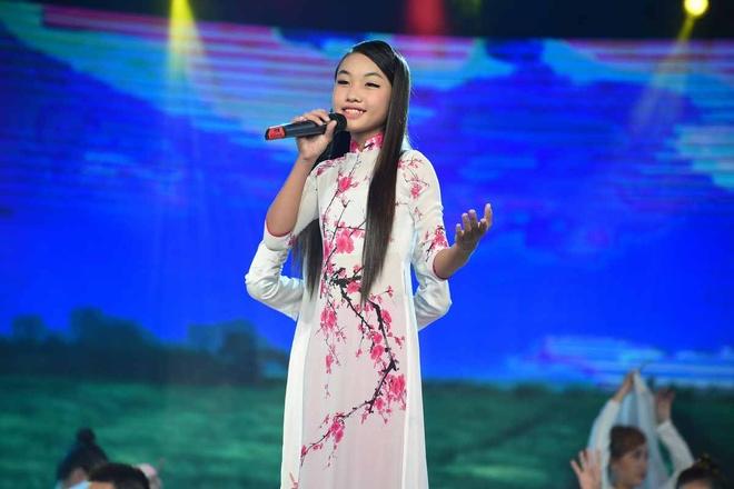 Giam khao roi ghe nong, len san khau vi con trai Linh Tam hinh anh 17