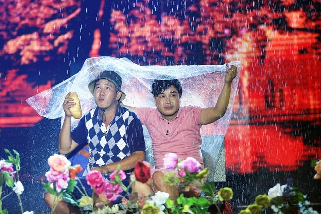 Viet Huong, Tran Thanh gian giua nuoc mat thuong cascadeur hinh anh 12
