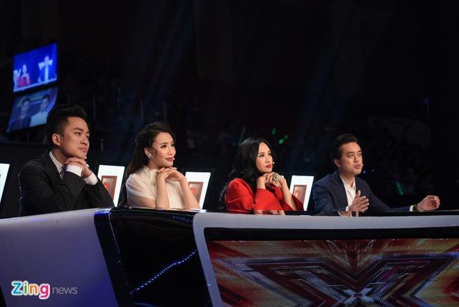 Giam khao X Factor khong nhin mat sau tranh cai gay gat hinh anh 1