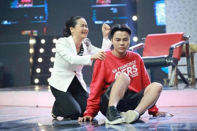 Nhat Kim Anh xuc dong truoc chuyen dong tinh cua Trang Nhung hinh anh 1