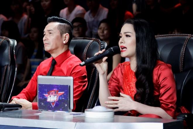 Nguyen Hung va Nhat Kim Anh tranh luan gay gat tren ghe nong hinh anh 3
