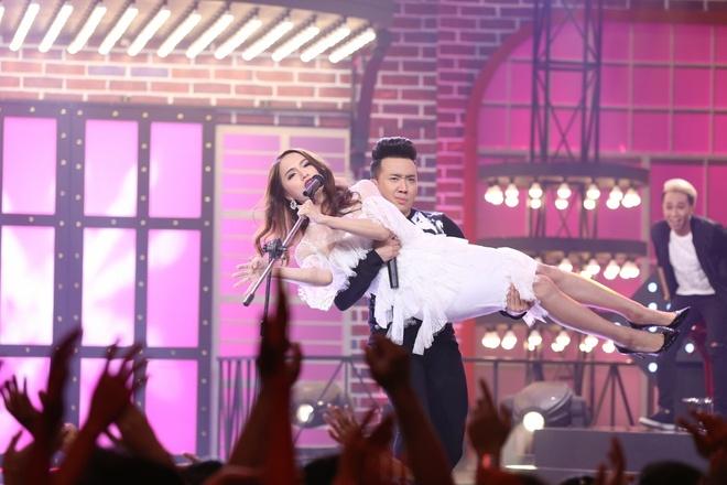 Tran Thanh bi Nam Thu, Anh Duc danh trong game show hinh anh 3