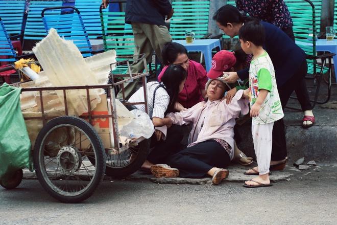 Viet Huong gay xuc dong voi phim ngan ve me trong mua Vu lan hinh anh 3