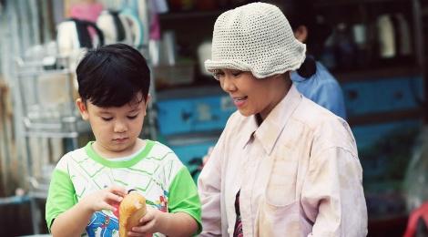 Viet Huong gay xuc dong voi phim ngan ve me trong mua Vu lan hinh anh