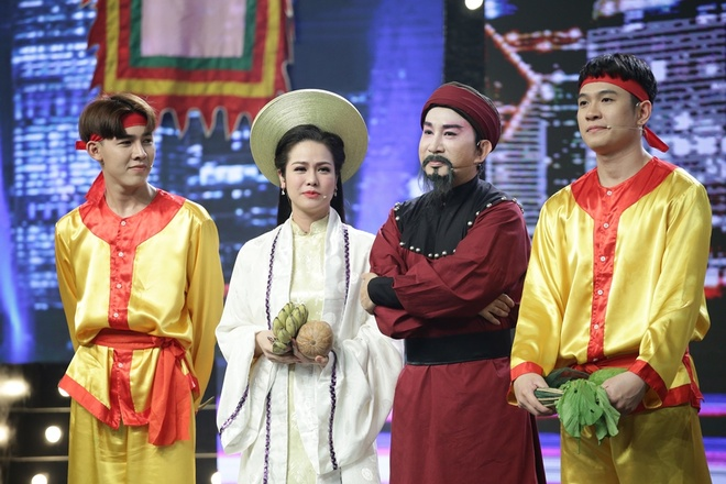Trang Nhung phan phao Phuong Thanh tren ghe nong hinh anh 10