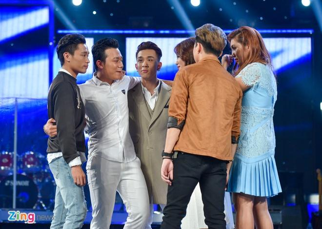 'Chang trai bun bo' Ba Duy bat ngo bi loai khoi Vietnam Idol hinh anh 3
