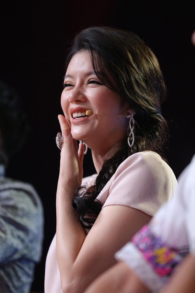 Dam Vinh Hung choc Tran Thanh tang can khi yeu Hari Won hinh anh 2