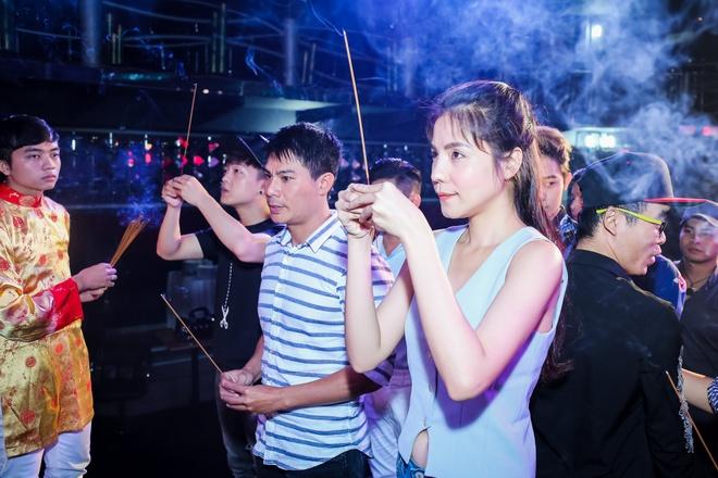 Dam Vinh Hung gio To o san khau anh 6