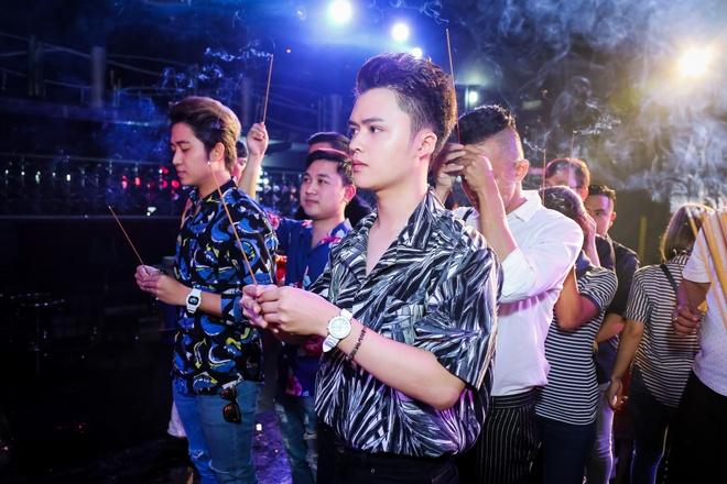 Dam Vinh Hung gio To o san khau anh 7
