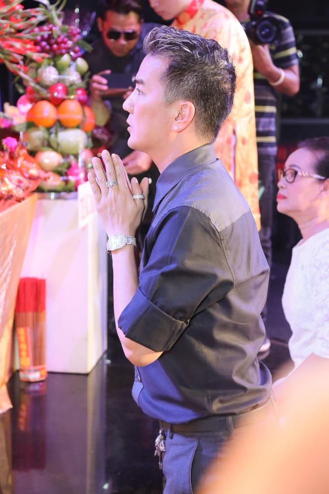 Dam Vinh Hung gio To o san khau anh 2