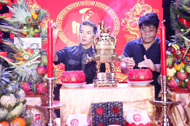 Dam Vinh Hung gio To o san khau anh 1